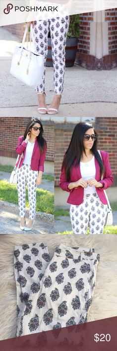 White Printed Pants Wore twice for photos. Not sure what this print is called. Pants have a subtle stretch but not too much. Front zipper and enclosure. Pockets. Not lined. No tags but size small. Oasap Pants