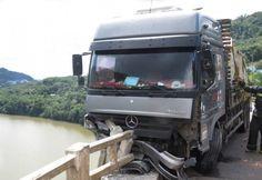 Uma carreta acabou se chocando em um caminhão após o motorista ficar sem freio. Foi na manhã desta terça-feira, dia 20, em Joaçaba (SC). O acidente ocorreu na BR-282, e envolveu uma carreta ceg