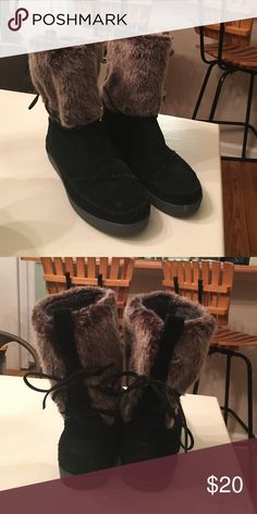 4fbeb8f4f2e TOMS-I wear size 8 in these. I love them all in this group very me. By the  way I have the bottom pair (black diamond design) and I also have a pair ...