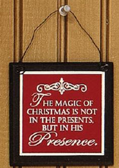 5027820_plaque_magic_of_christmas_detail