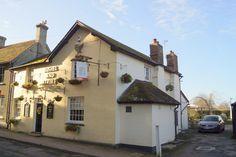 Bushe and Strike pub whihc is only 6 minutes walk from Alder Barn.  http://alderbarnholidayhome.com/
