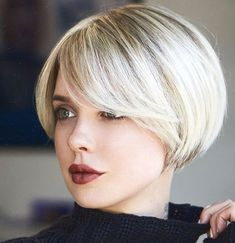 31 Kurze Bob-Frisuren mit Pony 2019 31 Short Bob Hairstyles with Bangs 2019 - Madame Hairstyles Bob Haircut For Fine Hair, Bob Hairstyles For Fine Hair, Short Bob Haircuts, Haircuts With Bangs, Bob Haircut Bangs, Bangs Hairstyle, Hairstyles 2018, Bridal Hairstyles, Pixie Hairstyles