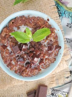 Thin Mints Oatmeal by the Oatmeal Artist #vegan