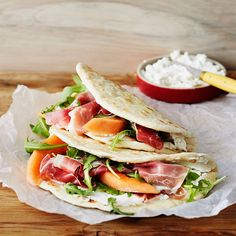 Piadina – täytetty leipä Food N, Food And Drink, Salty Foods, I Love Food, Food Truck, Entrees, Mexican, Cooking Recipes, Baking