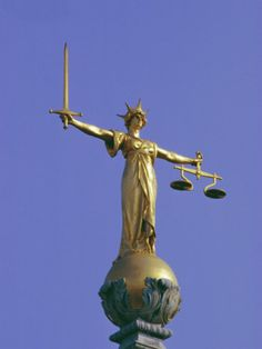 """""""The Scales of Justice Above the Old Bailey Law Courts, Inns of Court, London, England, UK""""=>"""