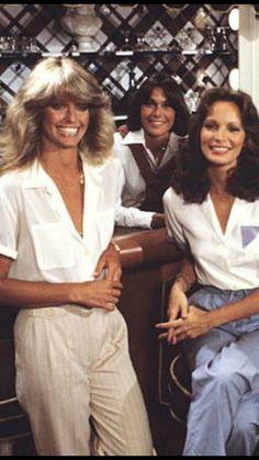 Farrah Fawcett, Kate Jackson, and Jaclyn Smith - Charlie's Angels 1976 Kim Basinger Now, 70s Fashion, Vintage Fashion, Jacklyn Smith, 70s Outfits, Kate Jackson, Angel Outfit, Farrah Fawcett, Vintage Style Dresses