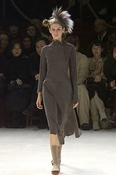 Yohji Yamamoto Fall 2000 Ready-to-Wear Collection Photos - Vogue