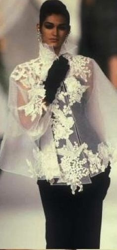 Gianfranco Ferre for Christian Dior Dior Fashion, Love Fashion, Vintage Fashion, Fashion Design, Vintage Dior, Vintage Hats, Victorian Fashion, Womens Fashion, Christian Dior