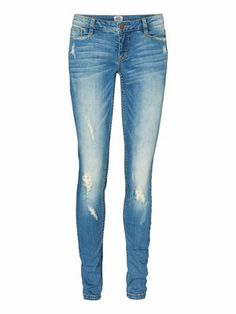 Stretchy skinny jeans from VERO MODA. Wear it with a loose boyfriend tee for a casual cool look. #veromoda #denim #jeans #fashion