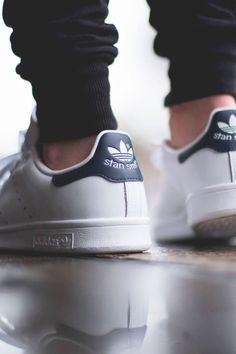 adidas-stan-smith-core-white-dark-blue