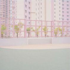 Le photographe Ward Roberts a documenté les espaces urbains post-modernes partout dans le monde – tout en pastels.