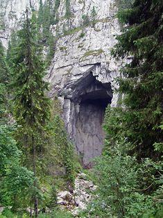 Hiking in Romania: Padis – Cetatile Ponorului, Apuseni Mountains Turism Romania, Romania Travel, Cave Entrance, Small Waterfall, Forest Road, Mountain Hiking, Bucharest, City Break, Travel Backpack