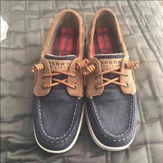 We love all things blue – Women's Shoes – Clothing, Shoes & Jewelry : Women : Clothing : Jeans Sperry Sneakers, Cute Sneakers, Sperry Shoes For Women, Shoes Women, Frat Boy Outfit, Shoe Company, Boy Shoes, Navy Women, Zapatos