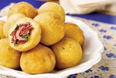 Bolinho de mandioca com carne seca| Gastronomia e Receitas - Yahoo Mulher