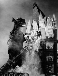 The British took on Godzilla with Gorgo (1961), and their monster was pretty cool. This was the mamma coming for her kid!