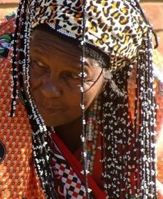 """Herbal healers in South African culture are """"Inyanga and Isangoma."""" These wise elder women share their knowledge and healing skills with students of their path. Hedge Witch, Human Body Parts, Clear Eyes, African Culture, African Art, Wise Women, Afro Punk, Healer, Witches"""