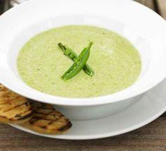 Fresh pea & lovage soup