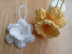 Happier Than A Pig In Mud: Crochet Daffodil Ornament or Embellishment Pig In Mud, Easter Tree, Daffodils, Crochet Flowers, Embellishments, Ornaments, Crocheted Flowers, Crochet Flower, Decoration