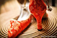 CHINESE - Wedding Shoes Keywords: #weddings #jevelweddingplanning Follow Us: www.jevelweddingplanning.com  www.facebook.com/jevelweddingplanning/