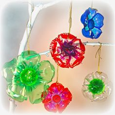 flowers from recycled plastic bottles