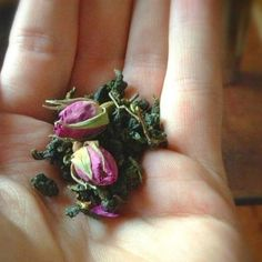 Mei Gue Hua - oolong with roses, which creates amazing flavor.