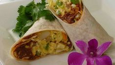 A yummy breakfast burrito of cooked, crumbled chorizo sausage with onions and scrambled eggs mixed throughout. Serve on warm flour tortillas with a generous helping of shredded Cheddar cheese for the perfect hangover cure! Best Breakfast Burritos, Chorizo Breakfast, Breakfast Toast, Breakfast Dishes, Breakfast Time, Breakfast Recipes, Breakfast Wraps, Brunch Dishes, Vegetarian Breakfast