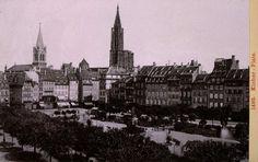 La place Kléber en 1892,  Dresden : Rimmler und Jonas, 1892  16,5 x 11 cm ; 14,5 x 9,5 cm  Cote(s) du document original : M.116.278  Porte le no 1492; In : Strassburg (1898 à 1892). - Dresden : Rimmler und Jonas (1889 à 1892), pl. (15).