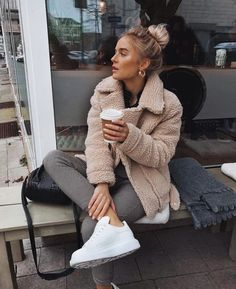 cute casual winter fashion outfits for teen girl 33 ~ my.me cute casual winter fashion outfit. Fashion Mode, Look Fashion, Winter Fashion, Womens Fashion, Street Fashion, Trendy Fashion, Fashion Vintage, Fashion Trends, Fashion Inspiration