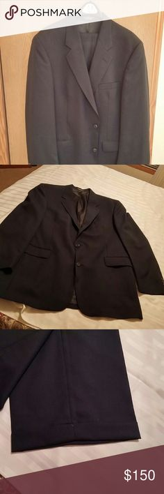Navy Suit from Mens Warehouse Custom made, never worn. Brand new chereskin Suits & Blazers Suits