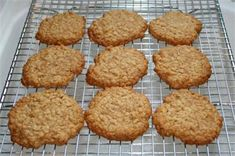Oat-So-Simple Cookies Continue Reading → Egg Free Recipes, Easy Cookie Recipes, Other Recipes, Sweet Recipes, Baking Recipes, Chocolate Mint Cookies, Honey Cookies, Oat Cookies, Freezer Cookies