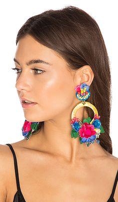 Earrings In Style Ranjana Khan Flower Hoop Earring in Yellow Big Earrings, Unique Earrings, Leather Earrings, Beautiful Earrings, Clip On Earrings, Earrings Handmade, Hoop Earrings, Ear Jewelry, Gold Jewelry