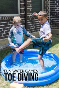 Whether you're looking for outdoor water games for kids or easy games for summer birthday parties, these 15 water games are for you! They are perfect for field day, summer camp, and more! Easy Games For Kids, Games For Kids Classroom, Camping Games Kids, Summer Camp Games, Group Games For Kids, Indoor Games For Kids, Summer Fun List, Preschool Games, Summer Activities For Kids