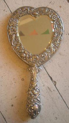 1898 Silver Heart Mirror/'ⓛⓞⓥⓔ'