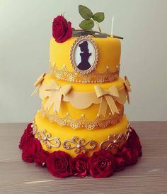 Bolo lindo a bela e a fera . Beauty And Beast Birthday, Beauty And The Beast Theme, Beauty And Beast Wedding, Beauty Beast, Beautiful Cakes, Amazing Cakes, Belle Cake, Quinceanera Cakes, Birthday Parties