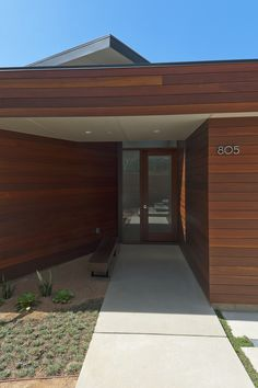 Crestwood Hills - Nonzero architects - Broom Way Residence exterior entrance Design Entrée, House Design, Design Ideas, Contemporary Architecture, Architecture Design, Vintage Architecture, Best Wall Paint, Wooden Wall Design, Modern Style Homes