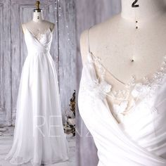 2017 Off White Chiffon Bridesmaid Dress, V Neck Lace Wedding Dress, Spaghetti Straps Prom Dress, A Line Formal Dress Floor Length (JW080)
