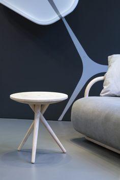 INTERVIEW MET JAMES VAN VOSSEL/ De eerste Belgische meubelontwerper voor Thonet…