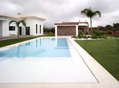 Proyecto Villa en la Marina Alta de Pepe Cabrera con la colección Magma de Inalco.