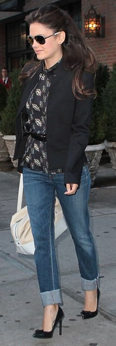 Who made Rachel Bilson's black print top, black pumps, and blue jeans that she wore in New York on October 1, 2012? Shirt – Theyskens' Theory  Jeans – Goldsign  Shoes – ShoeMint
