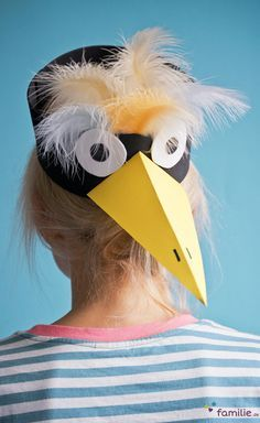 Diese Rabenmaske bastelst du in nur 5 Minuten: versprochen!
