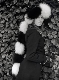 Talitha - amazing again - in winter fur Bohemian Chic Fashion, Vintage Fashion, Palestinian Wedding, Talitha Getty, Balinese, The Magicians, Fur, Retro, Amazing