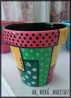 11 cute diy flower pots for spring 00008 Flower Pot Art, Flower Pot Design, Clay Flower Pots, Flower Pot Crafts, Clay Pot Crafts, Clay Pots, Painted Plant Pots, Painted Flower Pots, Ceramic Pots