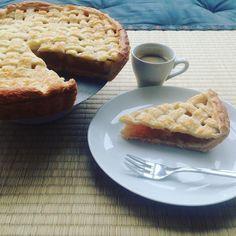 #applepie #homemade #sweet #coffee #kuchen #backen #yummy #chezshin #derregenkommtnoch Apple Pie, Waffles, Breakfast, Instagram Posts, Desserts, Food, Cake Baking, Morning Coffee, Tailgate Desserts