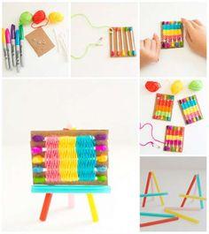 Mini métier à tisser avec des cotons-tige. 16 Activités rigolotes pour enfants avec des fils de laine