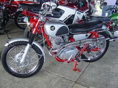 CL77 Honda Scrambler by s-bahn, via Flickr. I really like this, but I think I'm staying OEM colors
