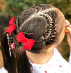 "double lace braided hearts ❤️❤️ swipe for another view ➡️➡️ have a great day _________________________________________________________ Doble corazón y coletas ❤️❤️ desliza para ver otra vista ➡️➡️ les deseo un feliz día puedes ver El Paso a paso en mi canal de YouTube "" Little Princess Hairstyle"" __________________________________________________________ #braids #braidsforgirls #braidforlittlegirls #braidstyles #braidoftheday #braidhair #hairstyle #hairrfeature #hairfor..."