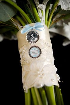 photo charm for bridal bouquet - love this idea for remembering someone at your wedding.I'm going to put my grandmother's photo on my bouquet Wedding Bells, Fall Wedding, Our Wedding, Dream Wedding, Wedding Bouquet Charms, Wedding Bouquets, Wedding Flowers, Wedding Dress, Photo Memories