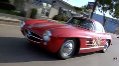 #JayLeno Shows Off His #MercedesBenz 300SL #Gullwing #Coupe http://www.benzinsider.com/2015/03/leno-shows-off-his-mercedes-benz-300sl-gullwing-coupe/