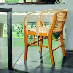 Poltrona Uragano de Vicco Magistretti para a Depadova no catálogo de produtos da QuartoSala - Home Culture #cadeiras #poltronas #armchairs #uragano #depadova #modern #retro #bamboo #crafted #design #interiors #projetos #lojas #lisboa #lisbon #quartosala