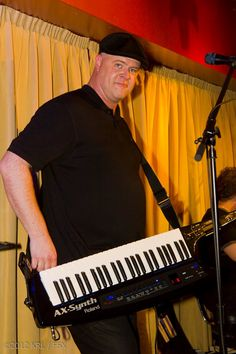 Jeff of Steve Bowen's FSX Fiddlestix performing at Naughty Nad's in October 2012. Photo taken by Kevin Lovely and used by permission.
